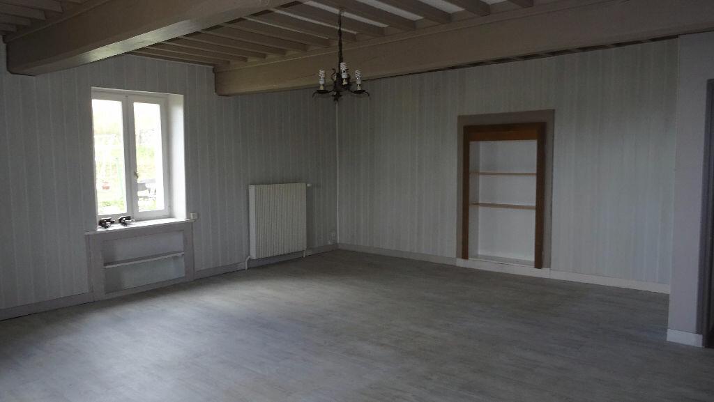 Appartement à louer 4 126m2 à Rontalon vignette-3
