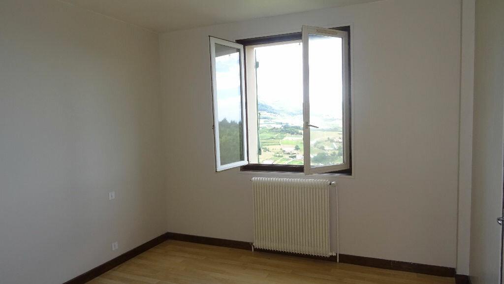 Appartement à louer 4 126m2 à Rontalon vignette-5