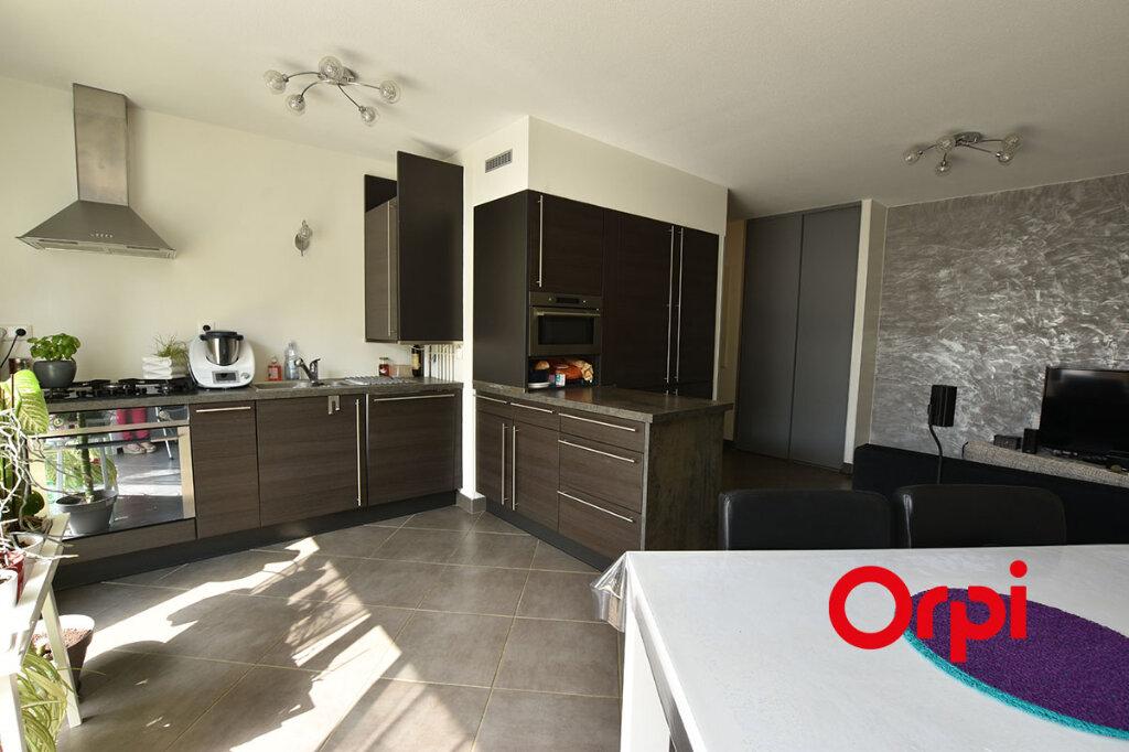 Appartement à vendre 3 66m2 à Orliénas vignette-2