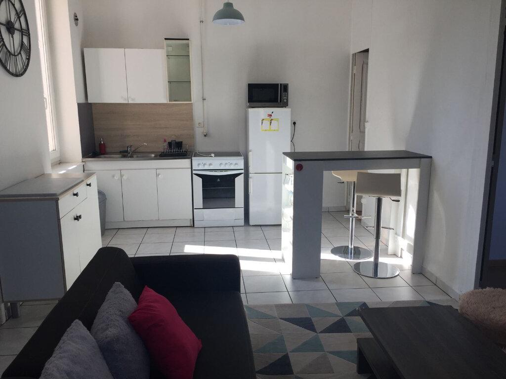 Appartement à louer 2 45m2 à Villeurbanne vignette-1