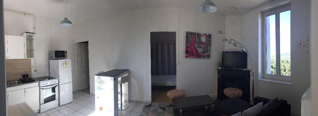 Appartement à louer 2 45m2 à Villeurbanne vignette-7