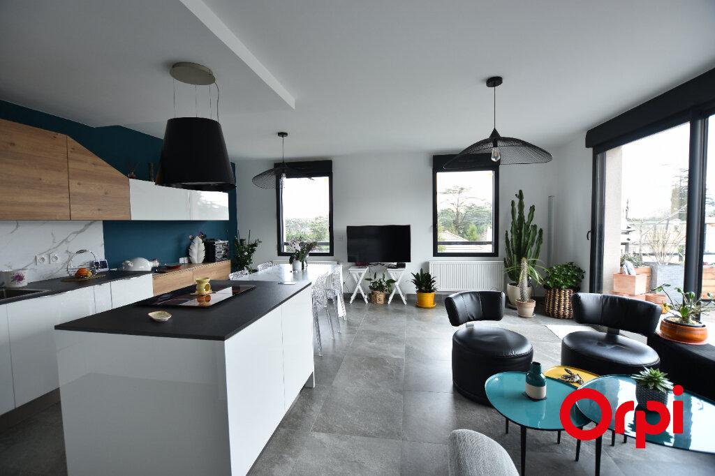 Appartement à vendre 3 66m2 à Saint-Laurent-d'Agny vignette-2