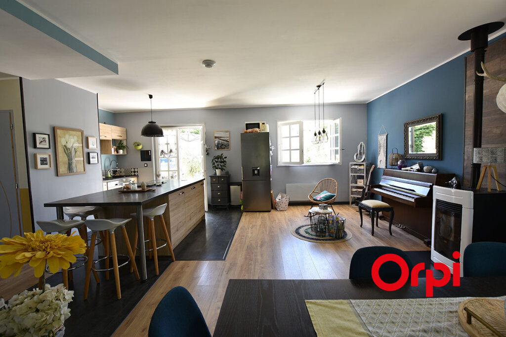 Maison à vendre 5 115m2 à Saint-Laurent-d'Agny vignette-2