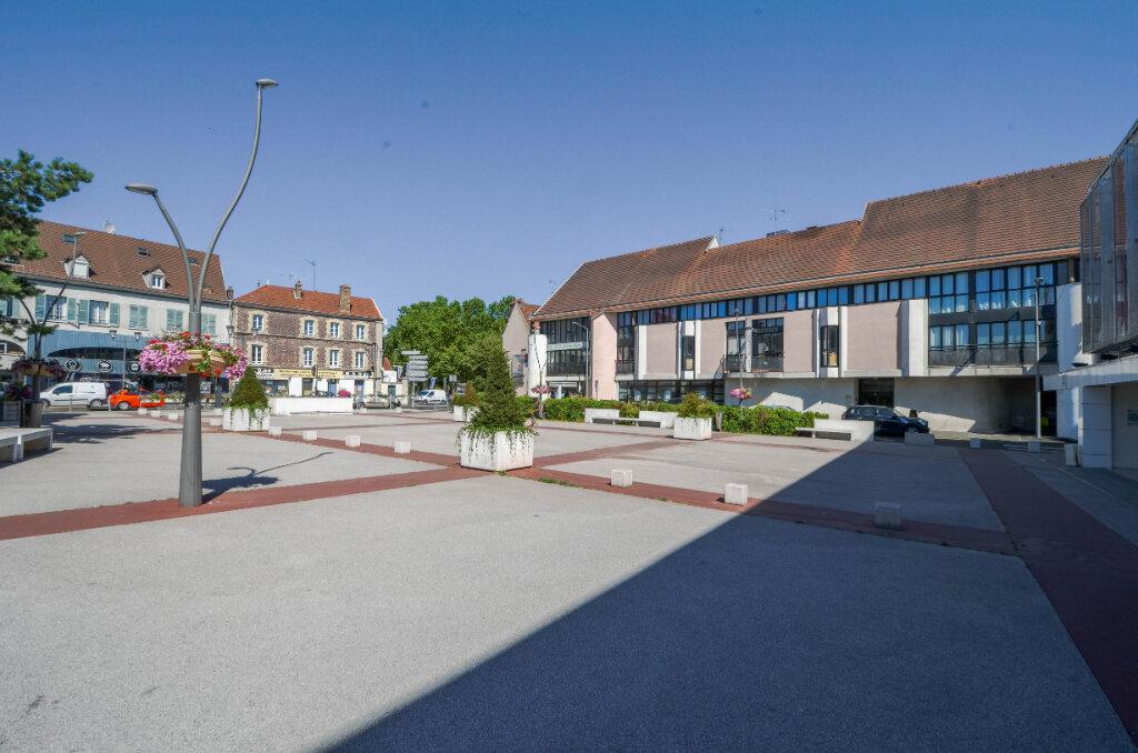 Appartement à vendre 3 68.56m2 à Saint-Ouen-l'Aumône vignette-1