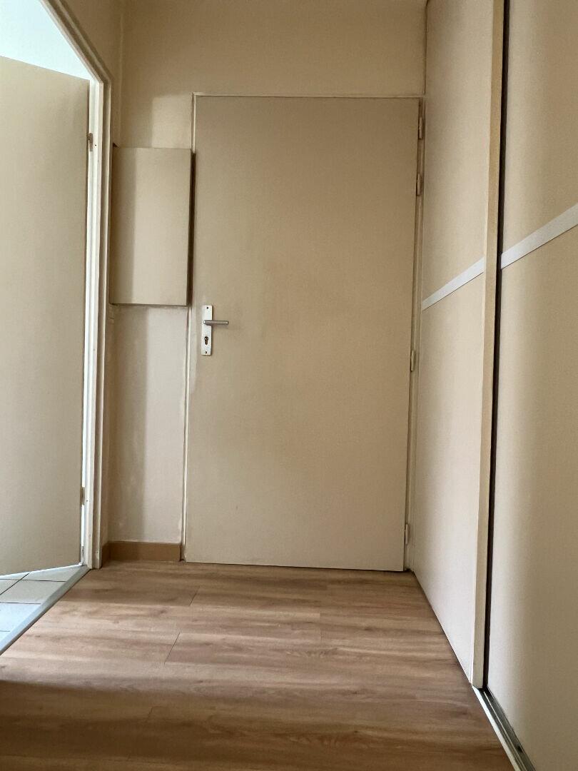 Appartement à louer 1 29.62m2 à Saint-Ouen-l'Aumône vignette-3
