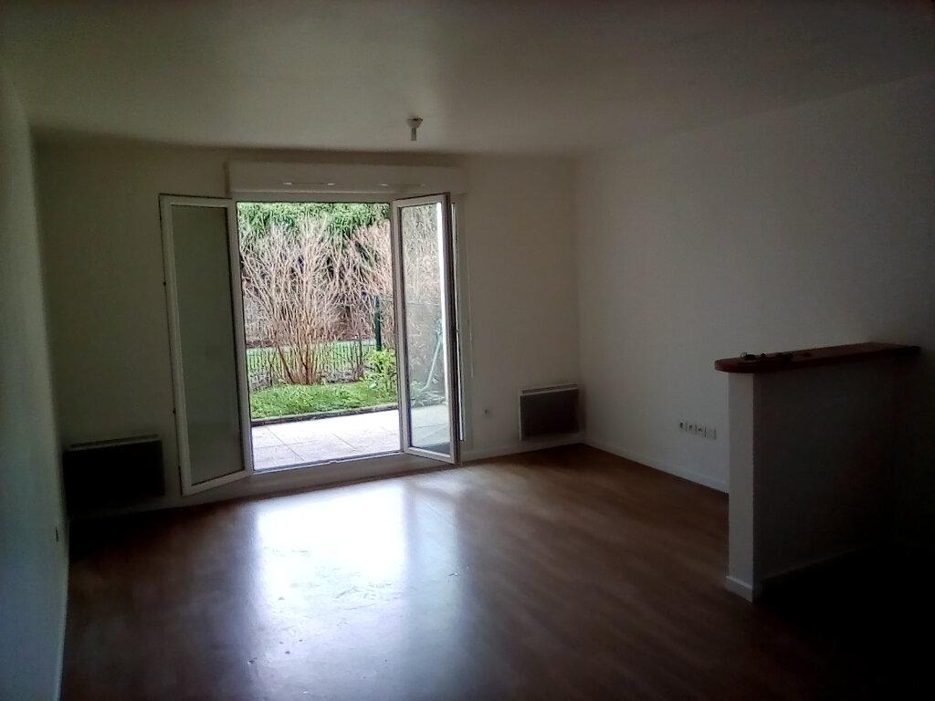 Appartement à louer 2 39m2 à Saint-Ouen-l'Aumône vignette-1