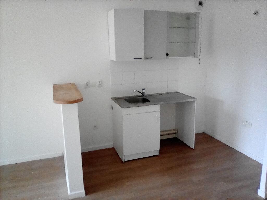 Appartement à louer 2 39m2 à Saint-Ouen-l'Aumône vignette-5