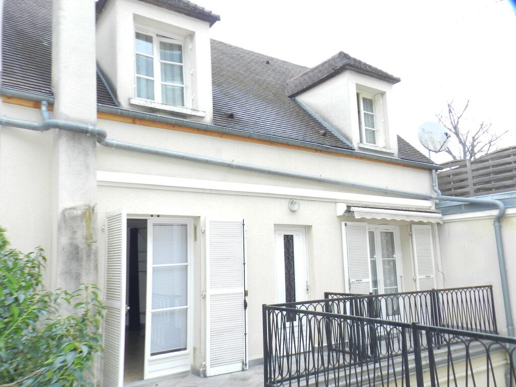 Appartement à louer 1 25.64m2 à Brie-Comte-Robert vignette-1