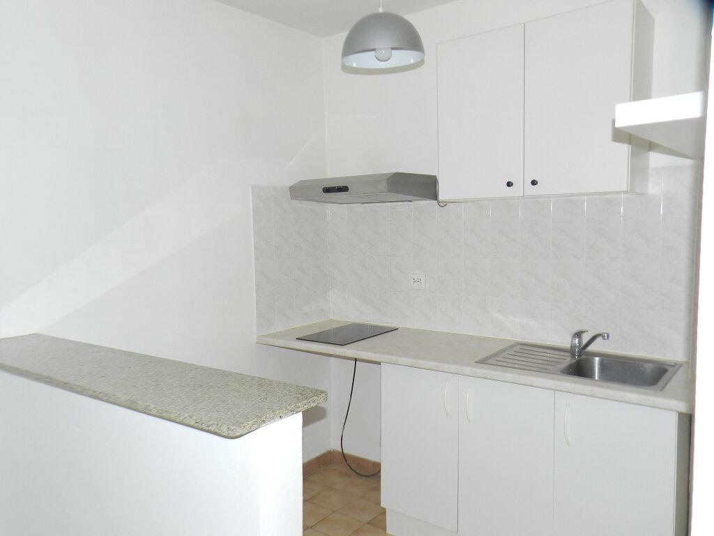 Appartement à louer 1 25.64m2 à Brie-Comte-Robert vignette-3