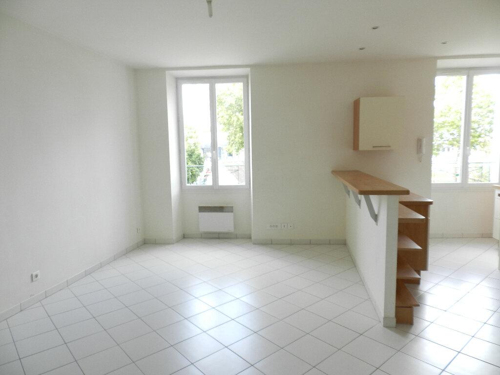Maison à louer 2 52.86m2 à Brie-Comte-Robert vignette-2