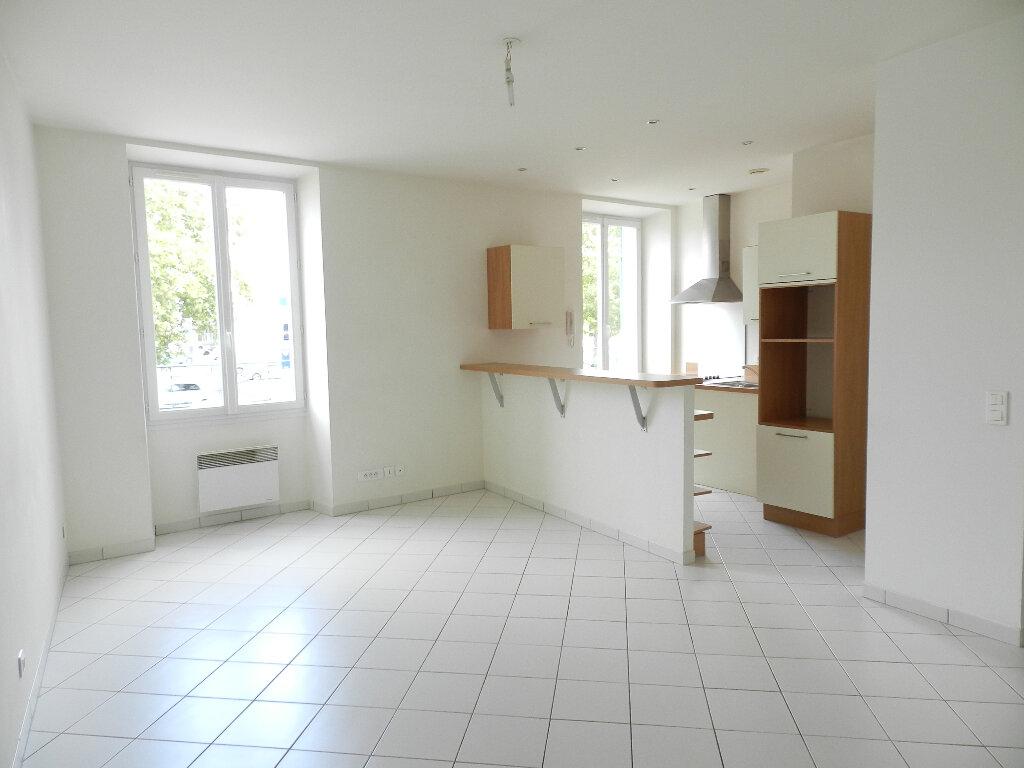 Maison à louer 2 52.86m2 à Brie-Comte-Robert vignette-3