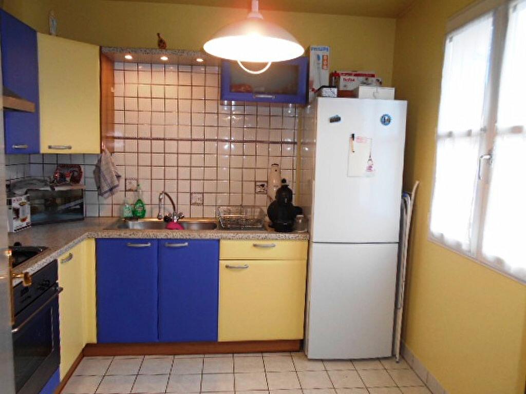 Appartement à louer 2 41.03m2 à Brie-Comte-Robert vignette-3