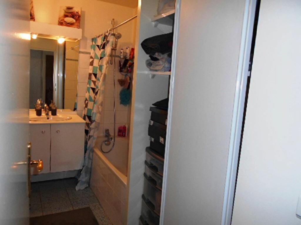 Appartement à louer 2 41.03m2 à Brie-Comte-Robert vignette-5