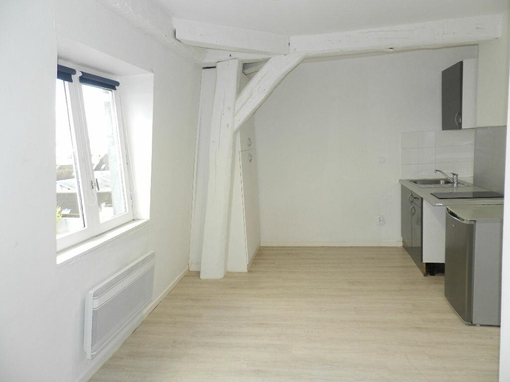 Appartement à louer 1 16m2 à Brie-Comte-Robert vignette-2