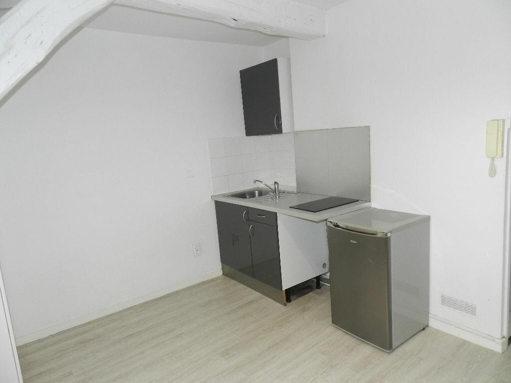 Appartement à louer 1 16m2 à Brie-Comte-Robert vignette-3