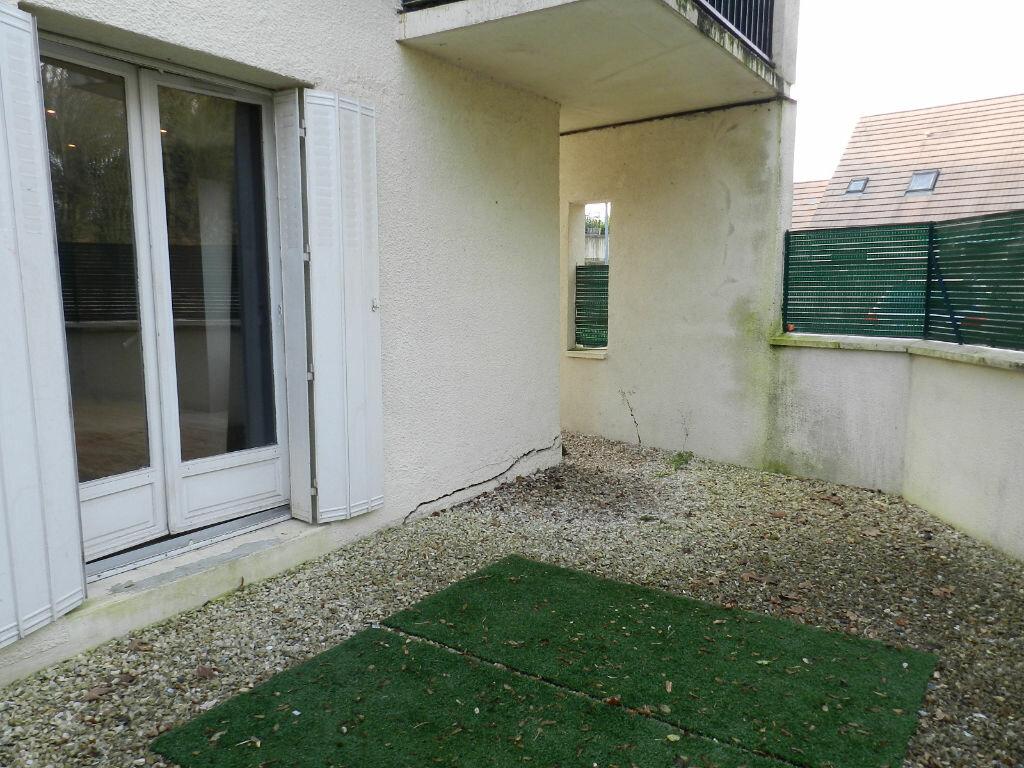 Appartement à louer 1 30m2 à Brie-Comte-Robert vignette-4