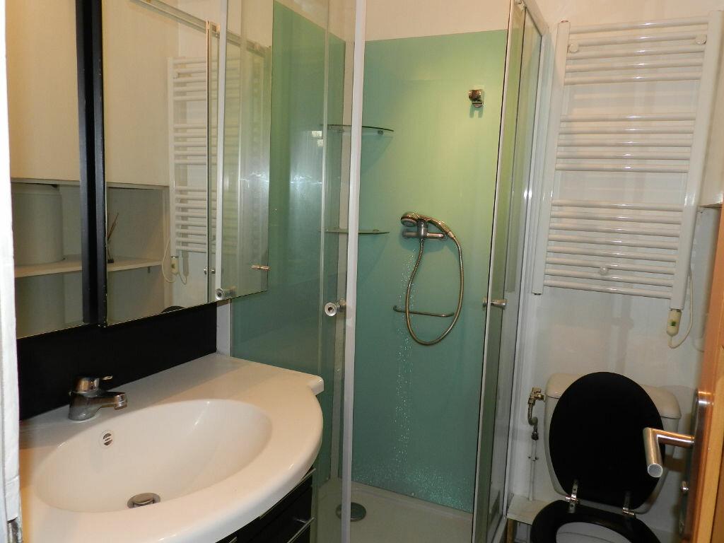 Appartement à louer 1 30m2 à Brie-Comte-Robert vignette-5