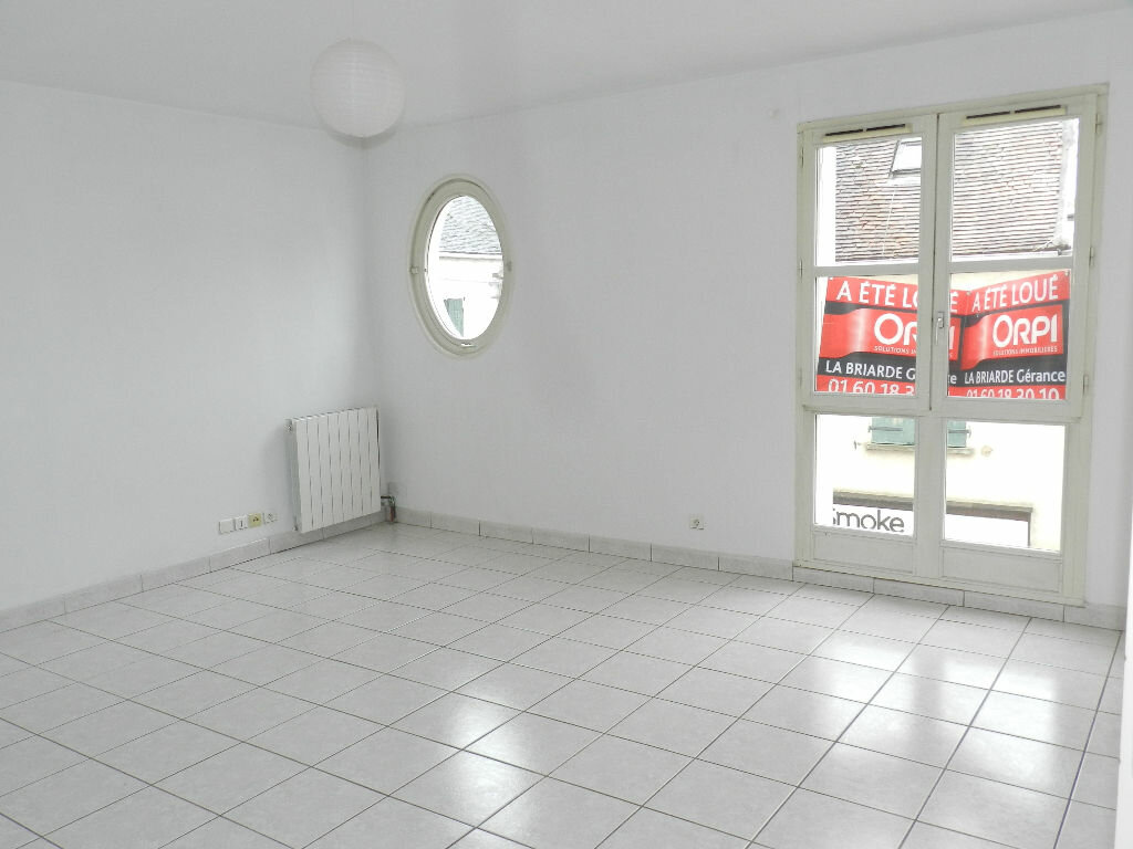 Appartement à louer 2 46.35m2 à Brie-Comte-Robert vignette-1