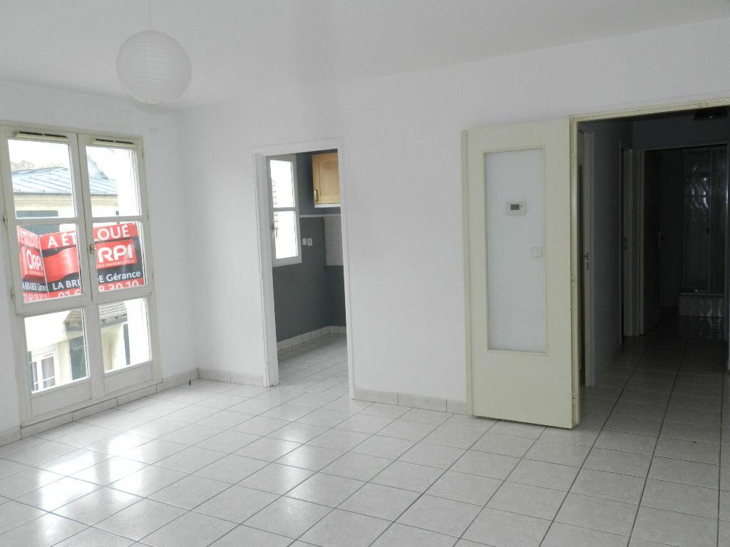 Appartement à louer 2 46.35m2 à Brie-Comte-Robert vignette-2