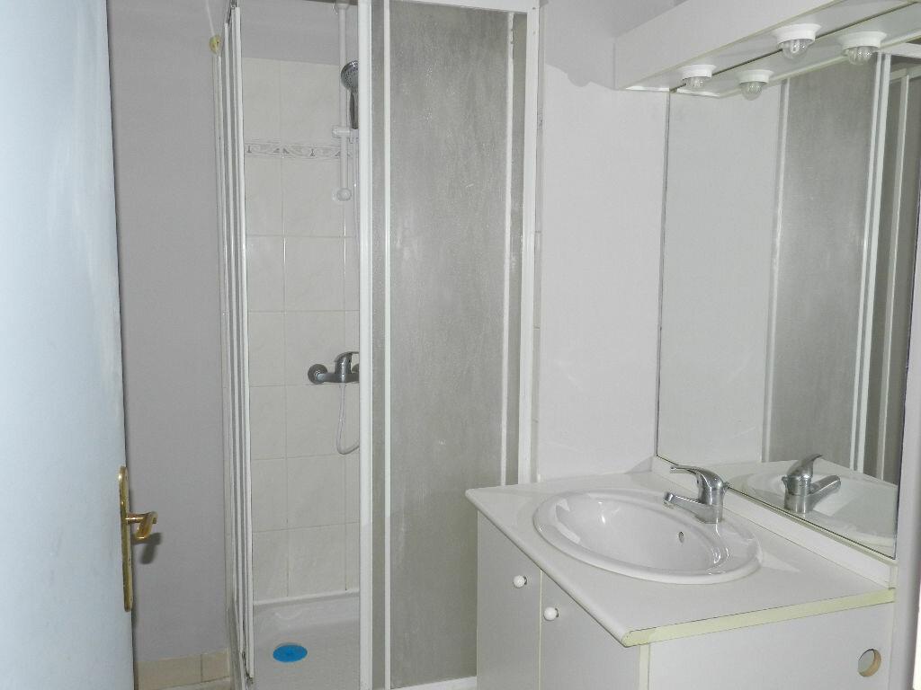 Appartement à louer 2 46.35m2 à Brie-Comte-Robert vignette-5