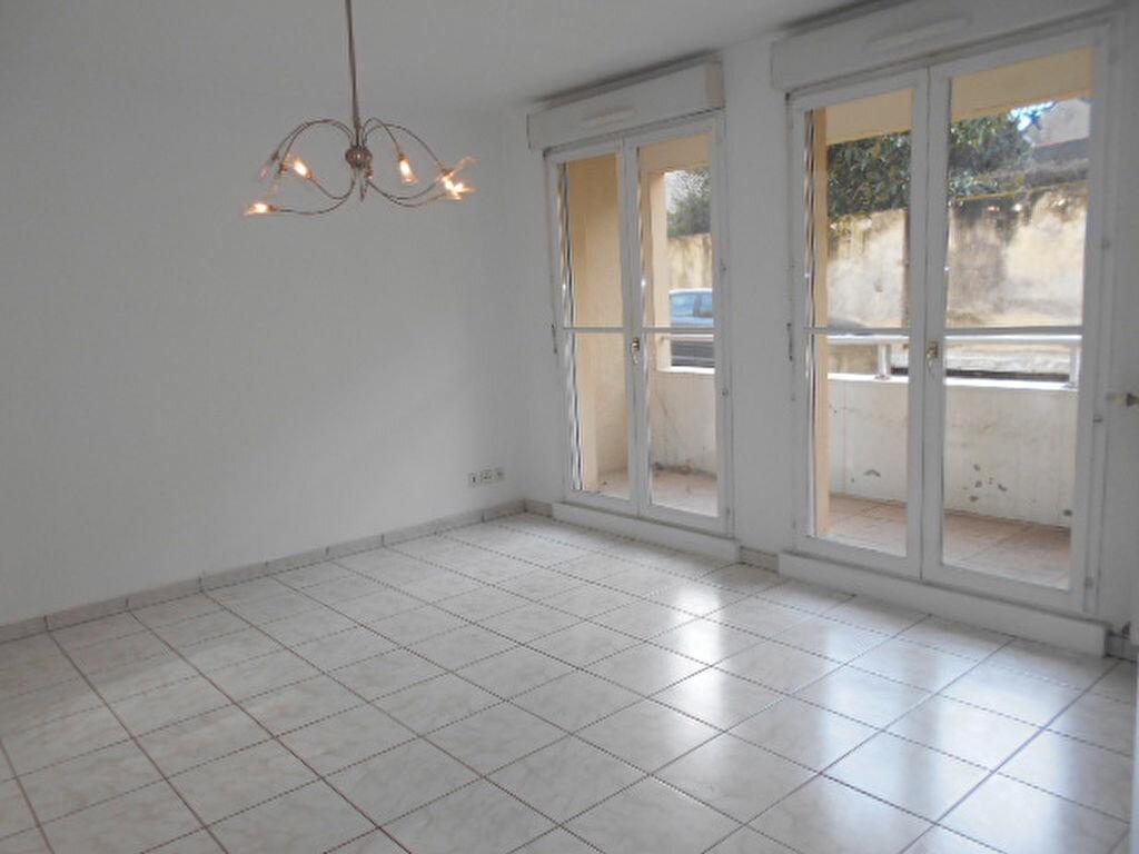 Appartement à louer 3 58.63m2 à Brie-Comte-Robert vignette-2