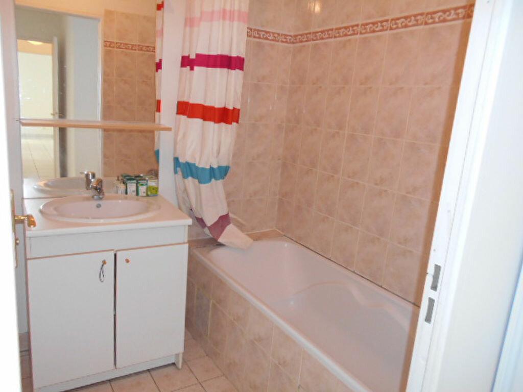 Appartement à louer 3 58.63m2 à Brie-Comte-Robert vignette-5