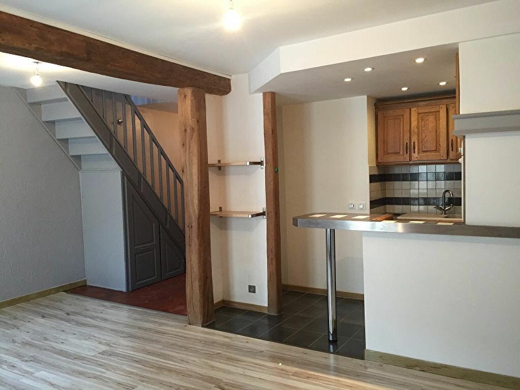 Appartement à louer 2 63m2 à Chaumes-en-Brie vignette-1