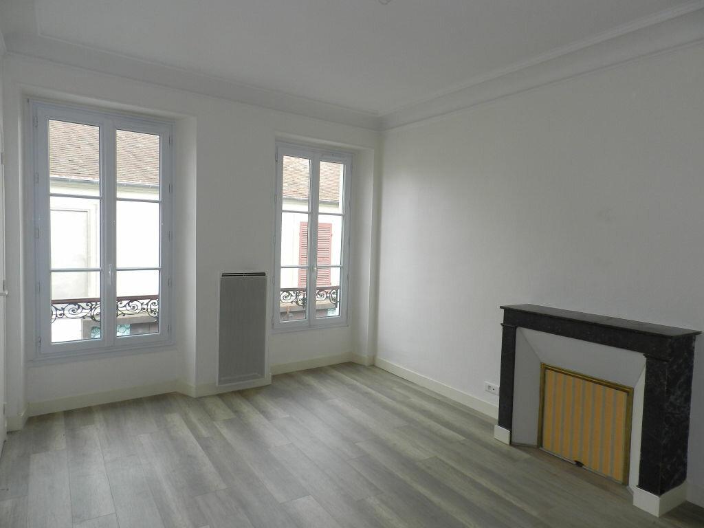 Appartement à louer 1 29.97m2 à Combs-la-Ville vignette-2