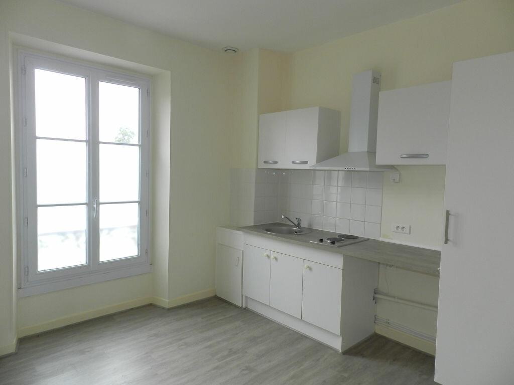 Appartement à louer 1 29.97m2 à Combs-la-Ville vignette-3