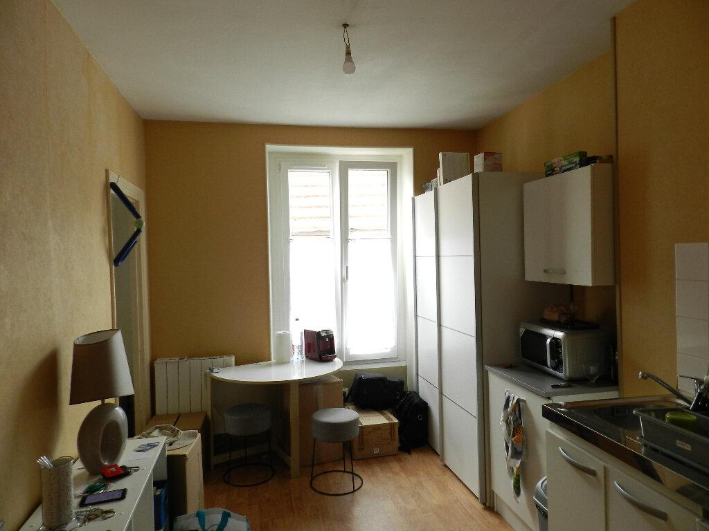 Appartement à louer 2 25.06m2 à Brie-Comte-Robert vignette-3