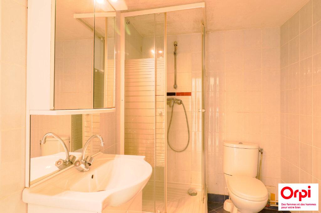 Appartement à vendre 1 29m2 à Chaumes-en-Brie vignette-4