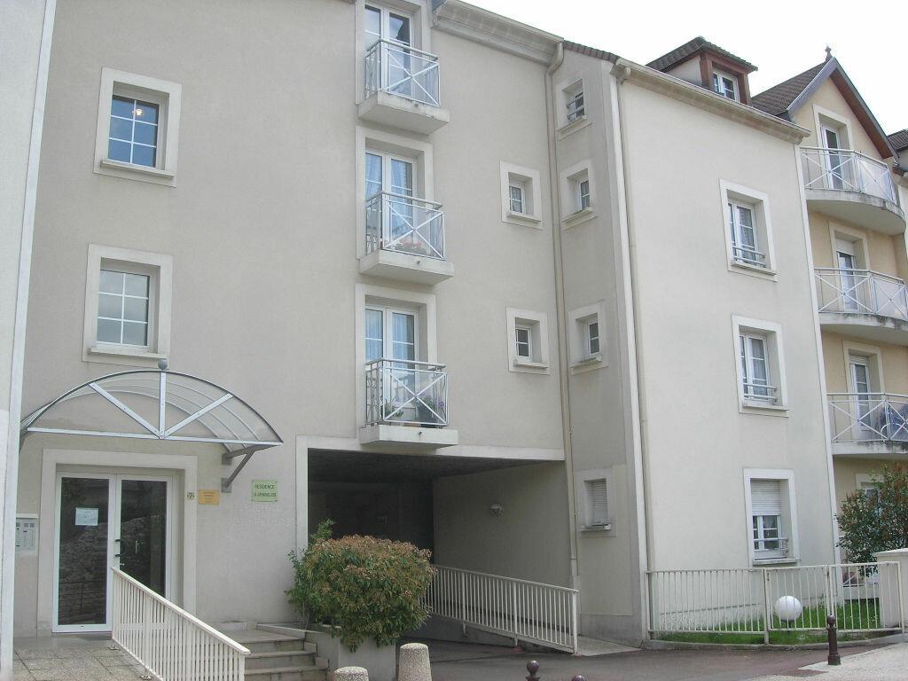 Appartement à louer 1 25.19m2 à Brie-Comte-Robert vignette-1
