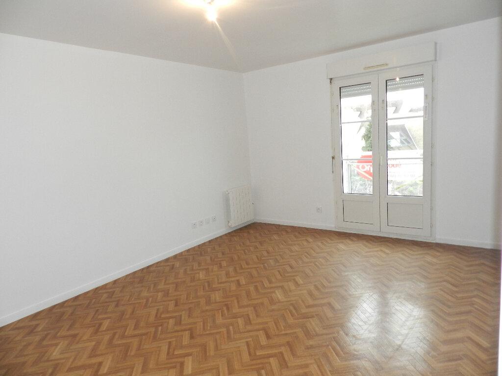 Appartement à louer 1 25.19m2 à Brie-Comte-Robert vignette-2