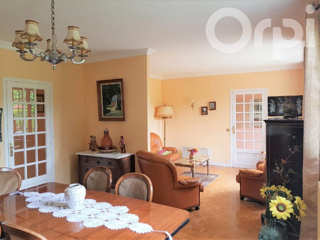 Maison à vendre 6 120m2 à Brie-Comte-Robert vignette-1