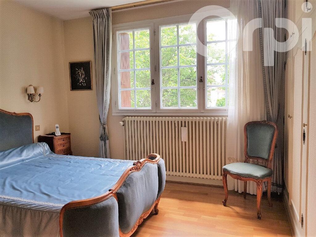Maison à vendre 6 120m2 à Brie-Comte-Robert vignette-7