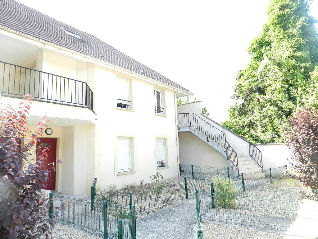 Appartement à louer 2 44.56m2 à Boussy-Saint-Antoine vignette-1