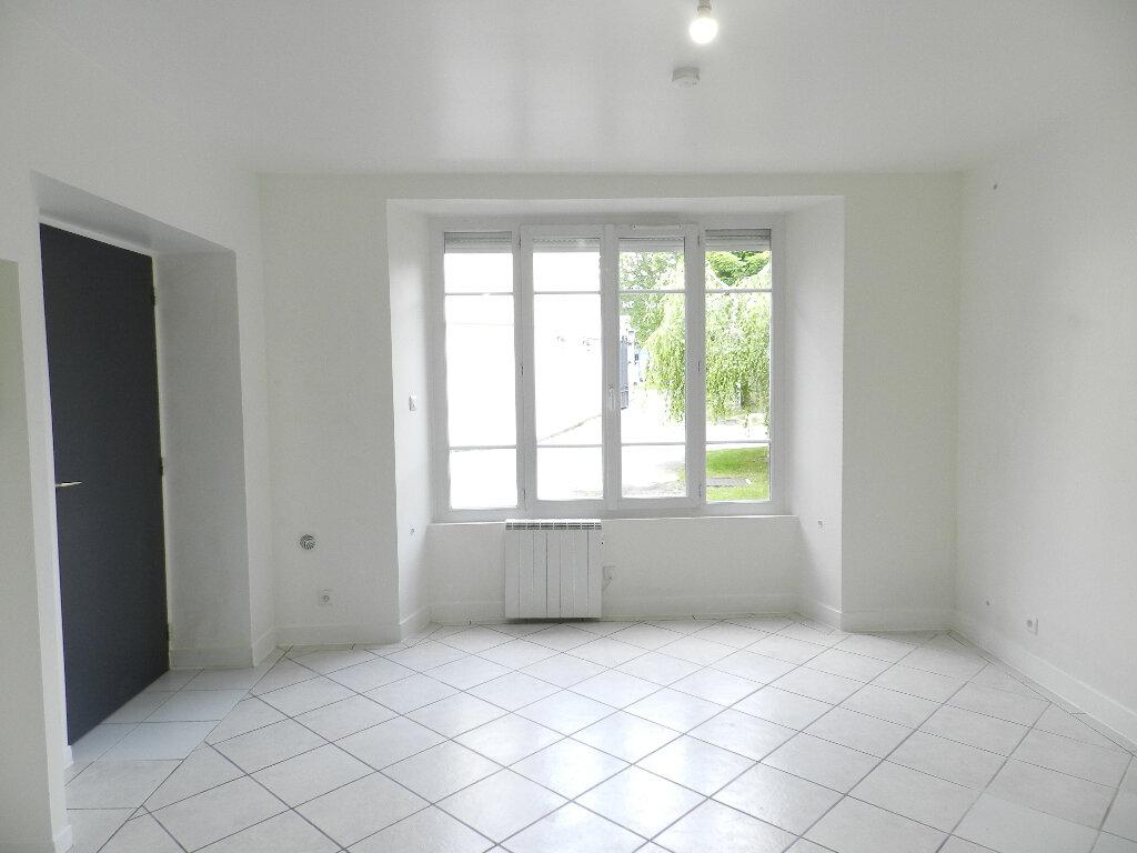 Appartement à louer 1 22m2 à Brie-Comte-Robert vignette-2