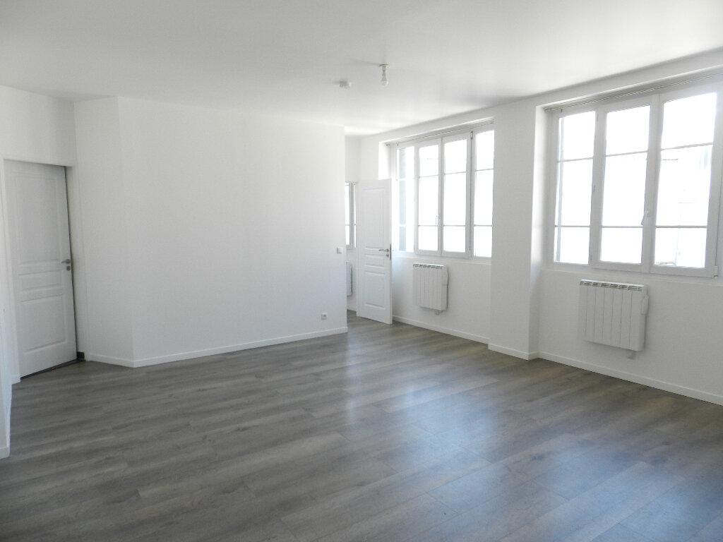 Appartement à louer 2 50m2 à Brie-Comte-Robert vignette-1
