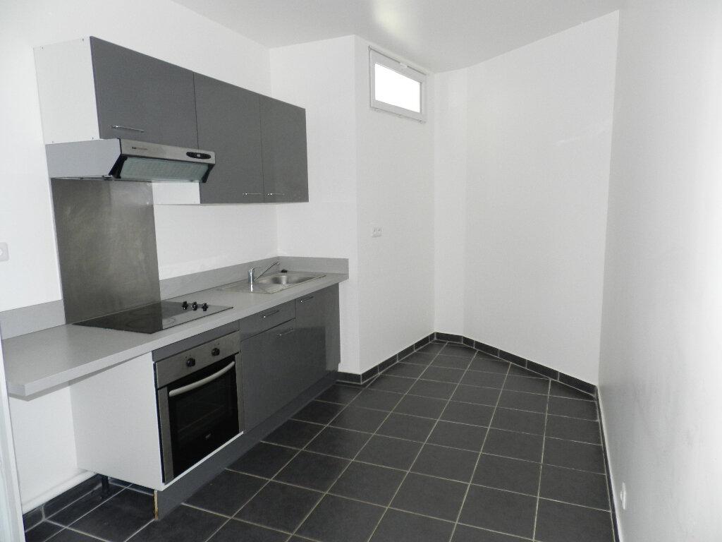 Appartement à louer 2 50m2 à Brie-Comte-Robert vignette-2