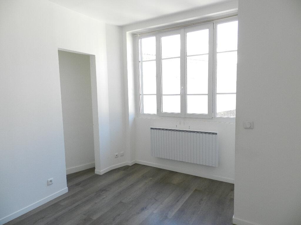 Appartement à louer 2 50m2 à Brie-Comte-Robert vignette-3