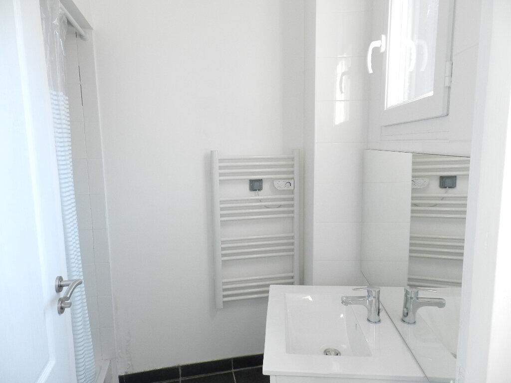 Appartement à louer 2 50m2 à Brie-Comte-Robert vignette-4