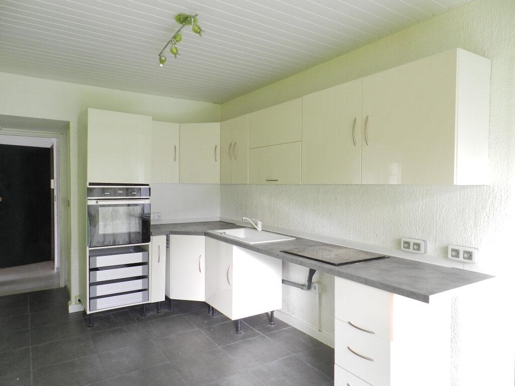 Appartement à louer 3 64.5m2 à Boussy-Saint-Antoine vignette-1