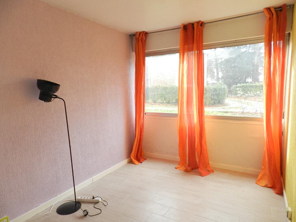 Appartement à louer 3 64.5m2 à Boussy-Saint-Antoine vignette-2