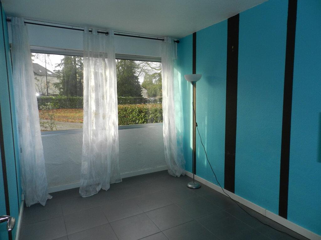Appartement à louer 3 64.5m2 à Boussy-Saint-Antoine vignette-3
