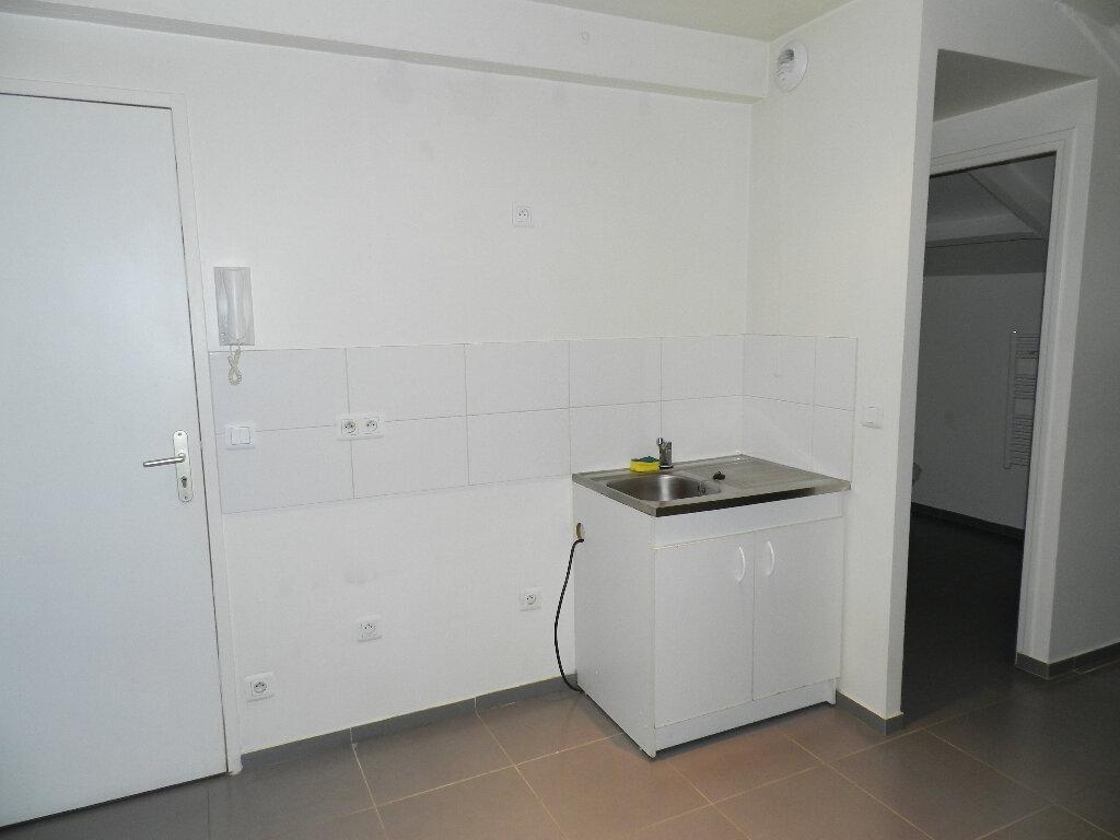 Appartement à louer 1 26.66m2 à Mandres-les-Roses vignette-2