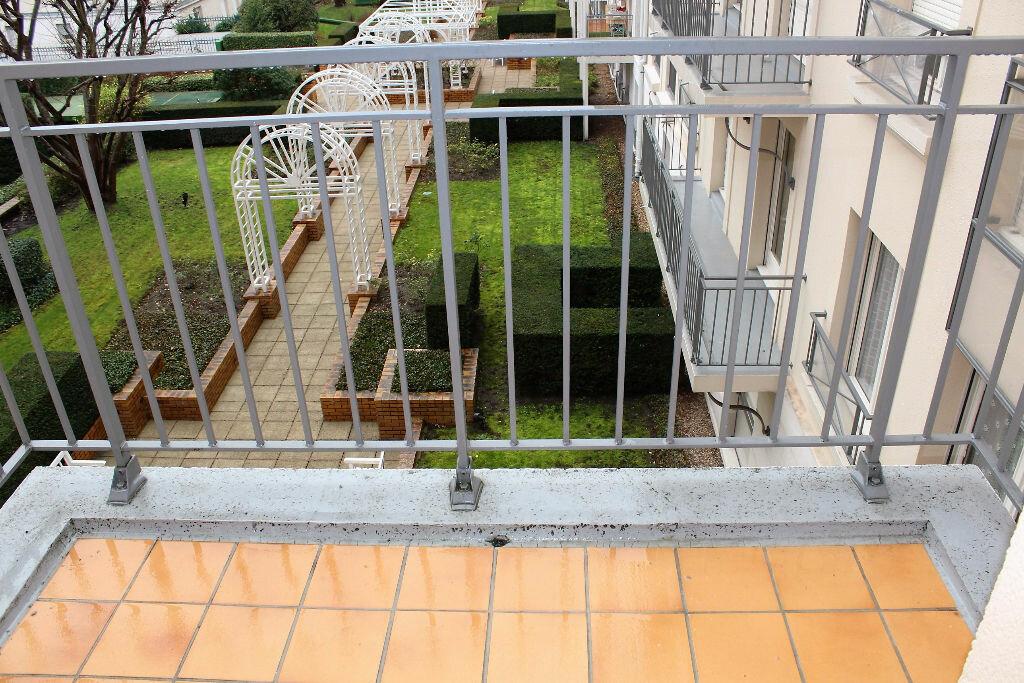 Appartement à louer 1 28m2 à Poissy vignette-5