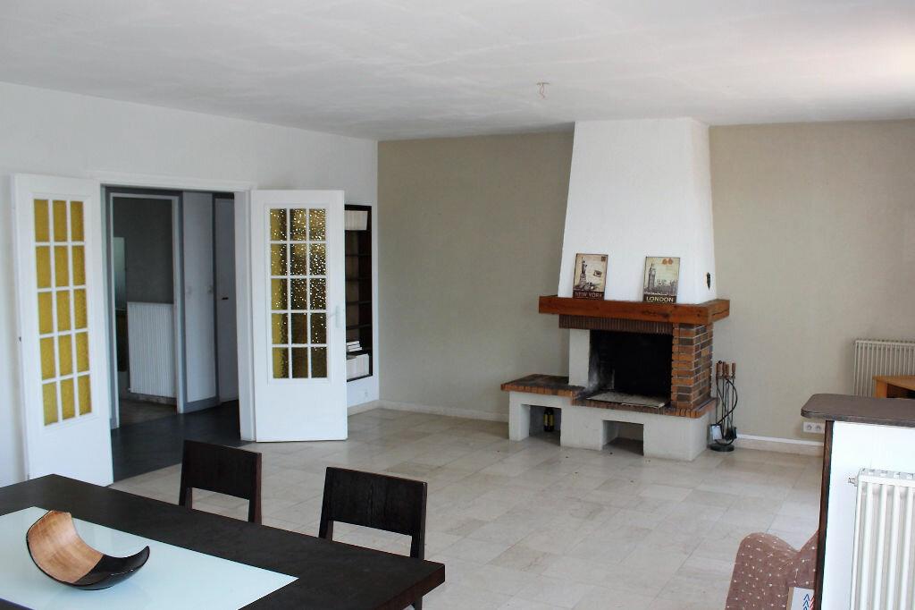 Appartement à louer 5 113.57m2 à Ecquevilly vignette-1