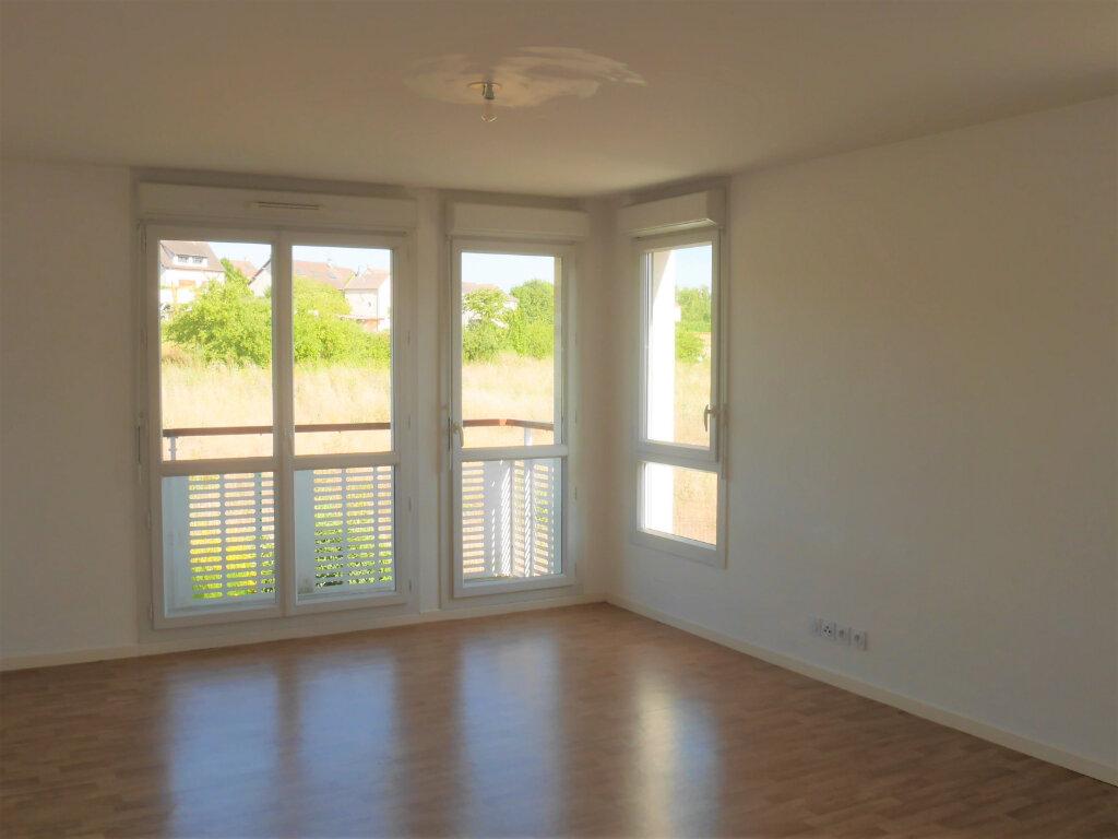 Appartement à louer 4 75.04m2 à Ecquevilly vignette-2
