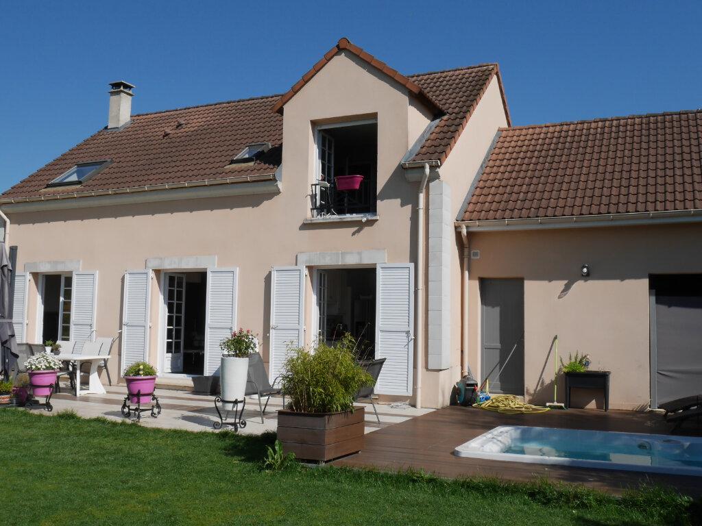Maison à louer 7 129.43m2 à Verneuil-sur-Seine vignette-1