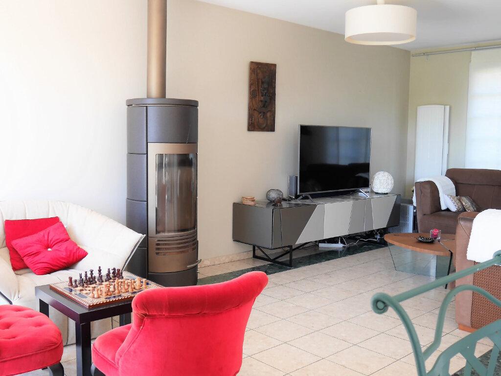 Maison à louer 7 129.43m2 à Verneuil-sur-Seine vignette-3